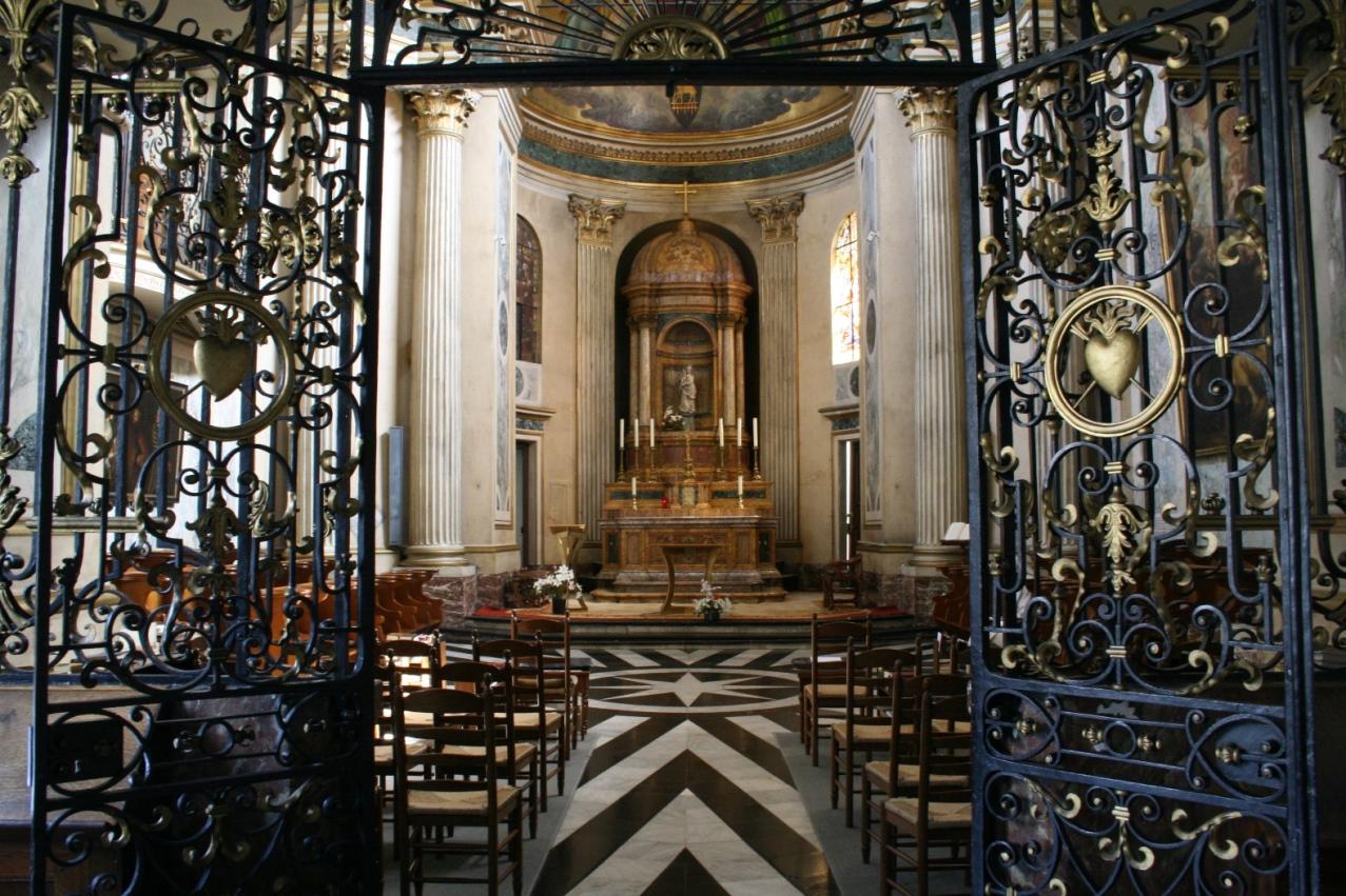 L'église vue à partir de la chapelle de St Thomas More